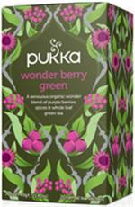 Zelený čaj s červenými plodmi