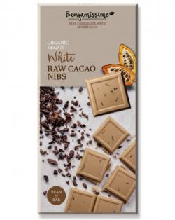 Biela čokoláda s kakaovými kúskami